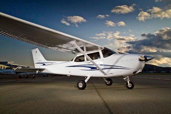 Політ за штурвалом літака Cessna 172 Київ