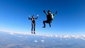 Кто придумал прыгнуть с парашютом?