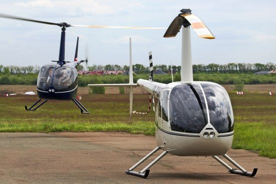 Парный полет на двух вертолетах Robinson