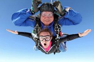 Прыжок с парашютом — проверка своей смелости