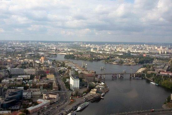 Полет на вертолете Robinson R44 вокруг Киева