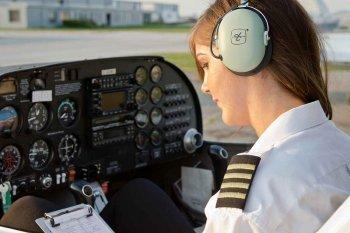 Навчальний політ на літаку у Львові